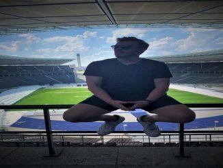 Matt Cox, stade de foot